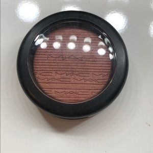 Mac hard to get extra dimensions blush